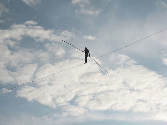 photo of Nik Wallenda walking a tight rope at Canada's Wonderland